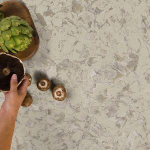 chip-comptoir-quartz-reparation-300x300 ENTRETIEN GRANITE ET MARBRE